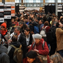 VINIBIO 2017 - couloir avec visiteurs et exposants